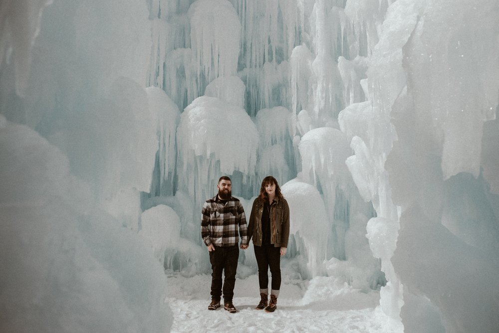 ice-castles-nh-engagement-session-boston-wedding-photographer-vanessa-alves-photography5.jpg