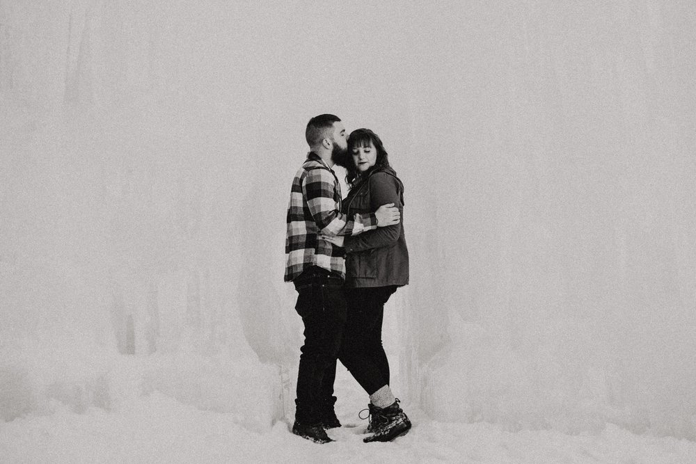 ice-castles-nh-engagement-session-boston-wedding-photographer-vanessa-alves-photography12.jpg