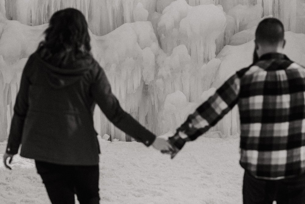 ice-castles-nh-engagement-session-boston-wedding-photographer-vanessa-alves-photography20.jpg