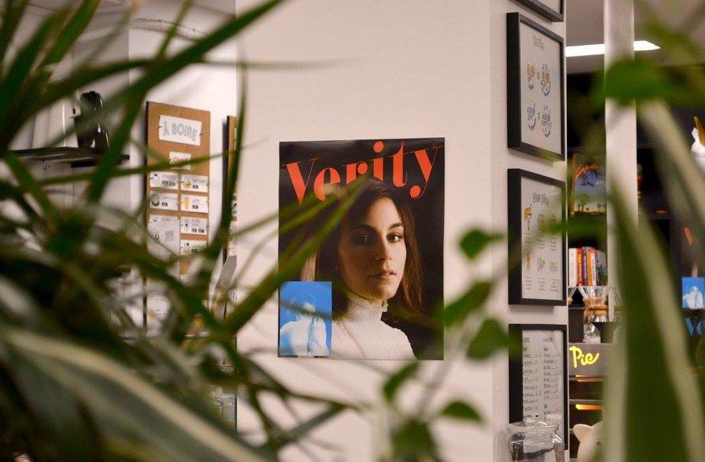 Lancement du magazine Verity