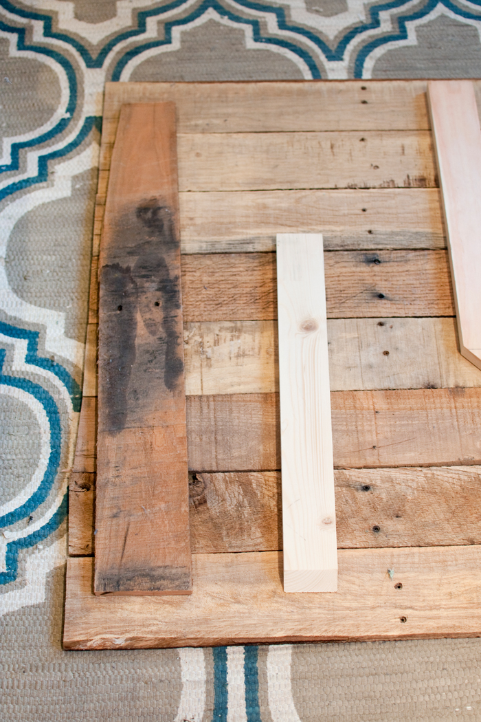 Copy of DIY_REPURPOSED_WOOD_BACKDROP_0