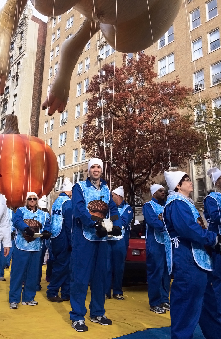 macy-day-parade-elah-tree-style-12-.jpg