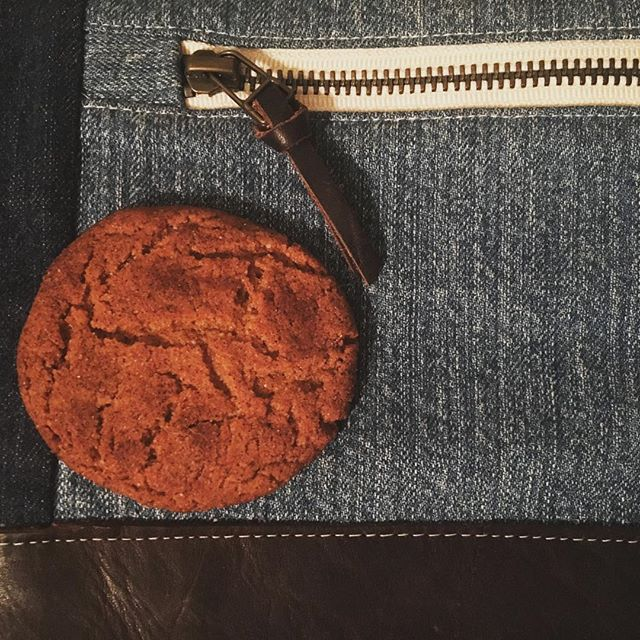 On #nationalcookieday you never go wrong with @kingarthurflour recipes. Denim pairs well with ginger snaps