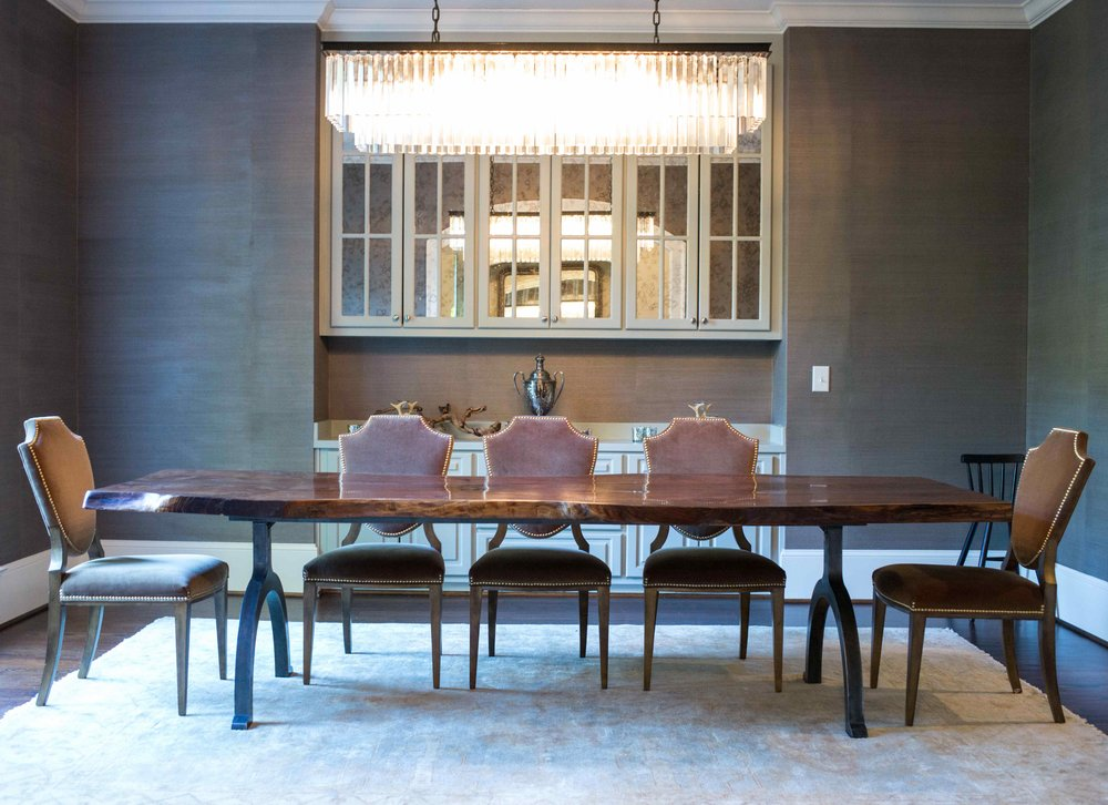 WALNUT DINING TABLE   PRIVATE RESIDENCE