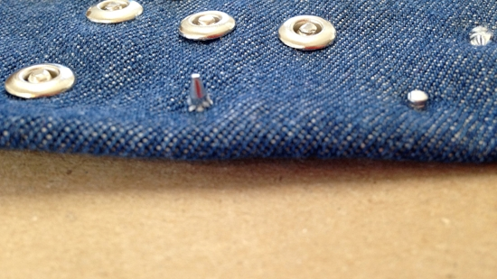 rivet-tutorial-rivet-sticking-out-jeans2.JPG