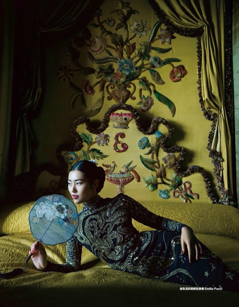 Liu-Wen-Harpers-Bazaar-China-December-2015-Editorial03.jpg