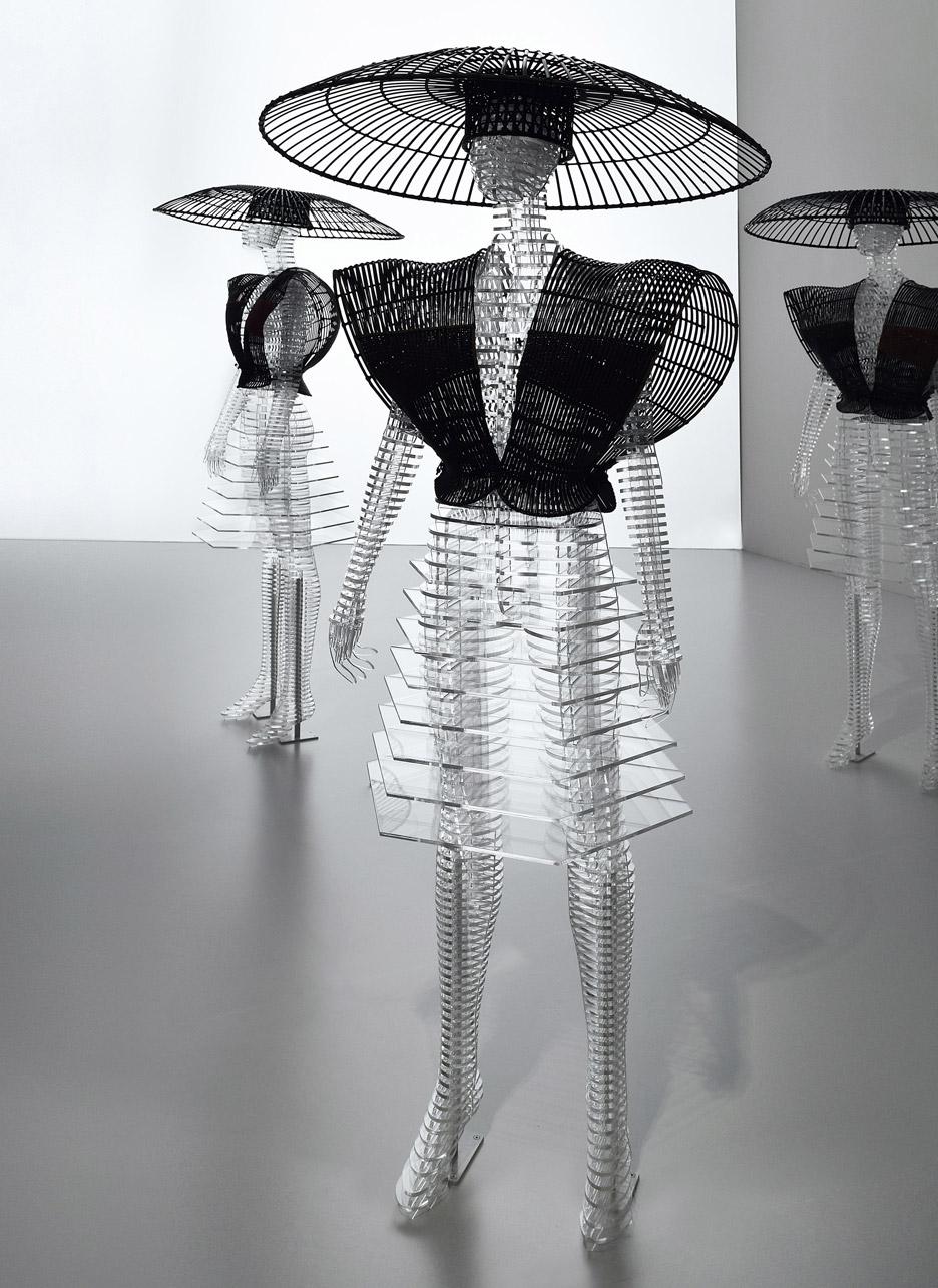 transparent-body-installation-tokujin-yoshioka-issey-miyake-exhibition-tokyp-japan_dezeen_936_10.jpg