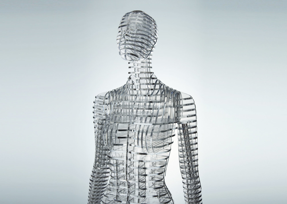 transparent-body-installation-tokujin-yoshioka-issey-miyake-exhibition-tokyp-japan_dezeen_1568_3.jpg