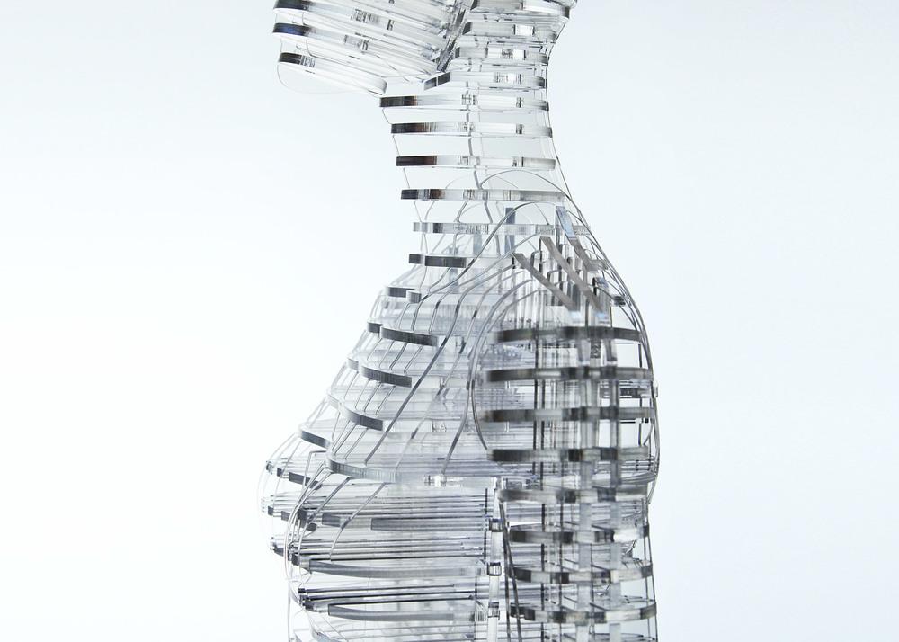 transparent-body-installation-tokujin-yoshioka-issey-miyake-exhibition-tokyp-japan_dezeen_1568_5.jpg