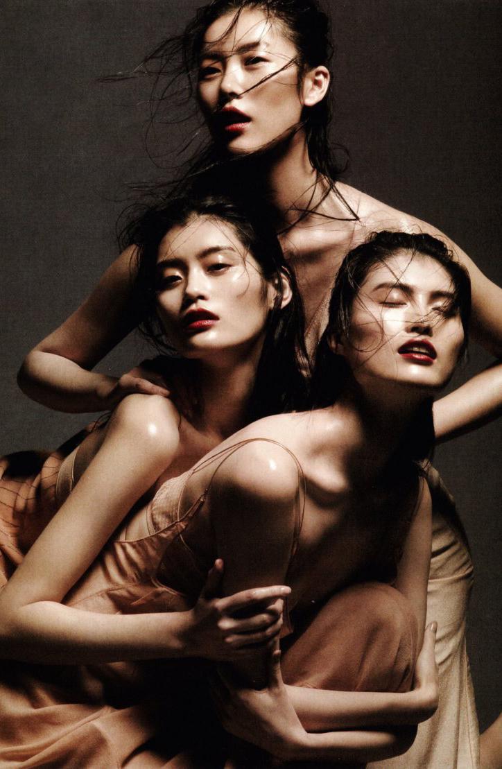 Ballet fantasy in Vogue China 2012.jpg