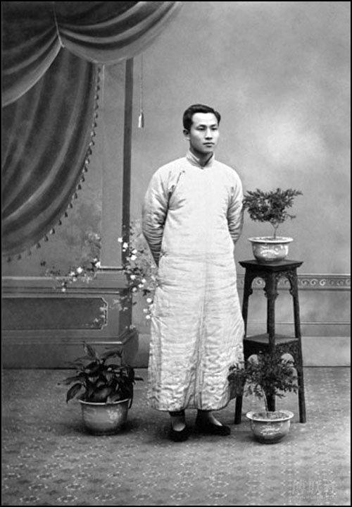 1912 Age 32