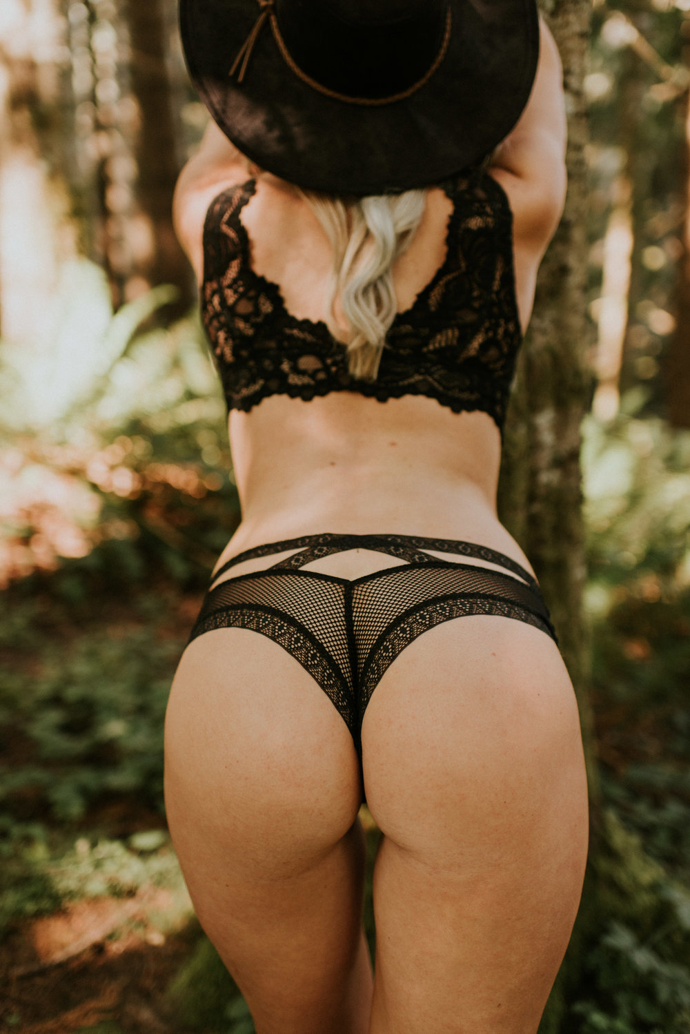 Snoqualmie Falls Boudoir Session by Kamra Fuller Photographer Seattle Boudoir Photographer
