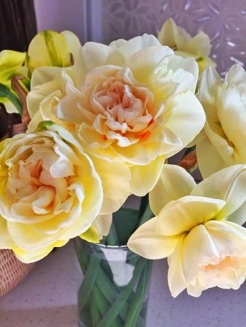 Daffodil Bouquet.jpg