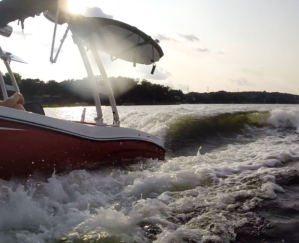 MasterCraft NXT 20 Port Surf Wake.jpg