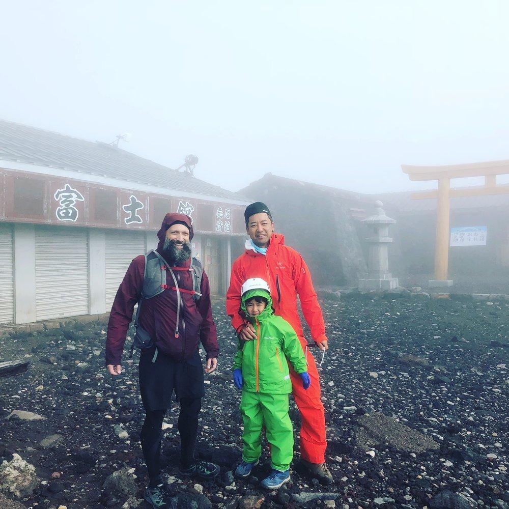 A stranded family.