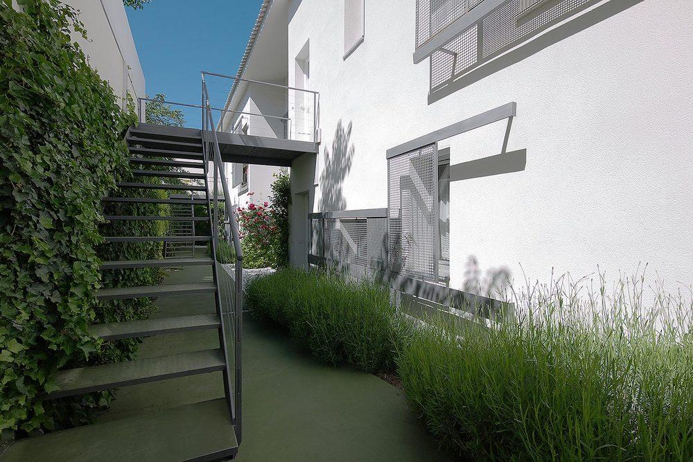romerovallejo_housing_3.jpg