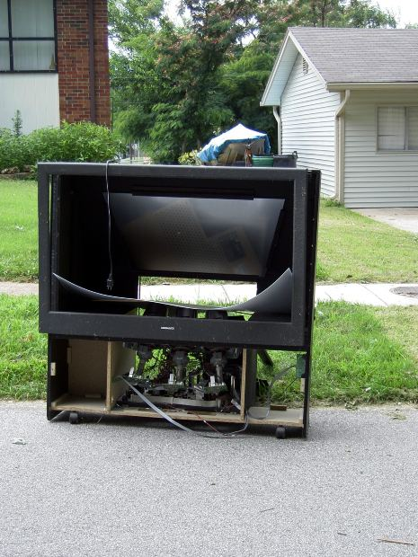 Note: not our TV. But what I would have liked to DO to that TV.