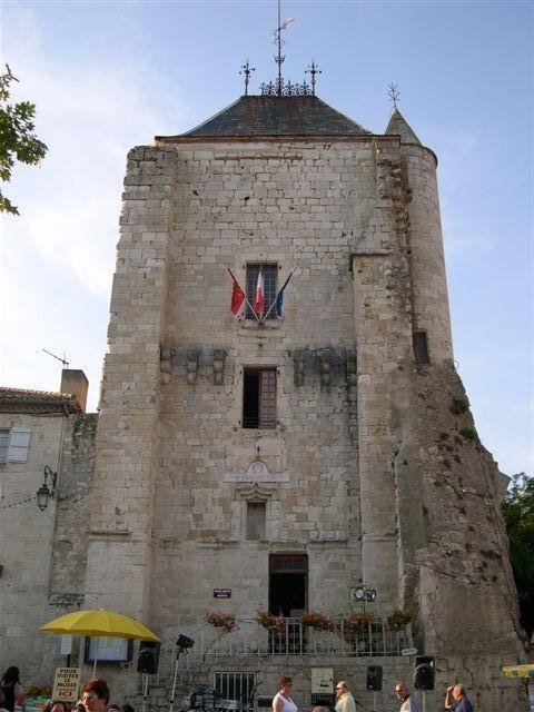 chateau-abbatial-marche-saint-maurin-ot-paps.jpg