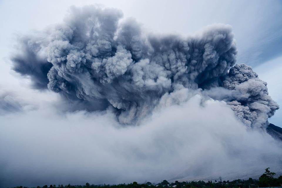 ash-cloud-1867439_960_720.jpg
