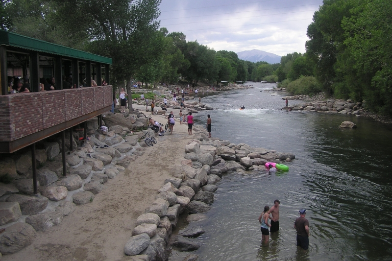 Arkansas_river_salida_co.JPG