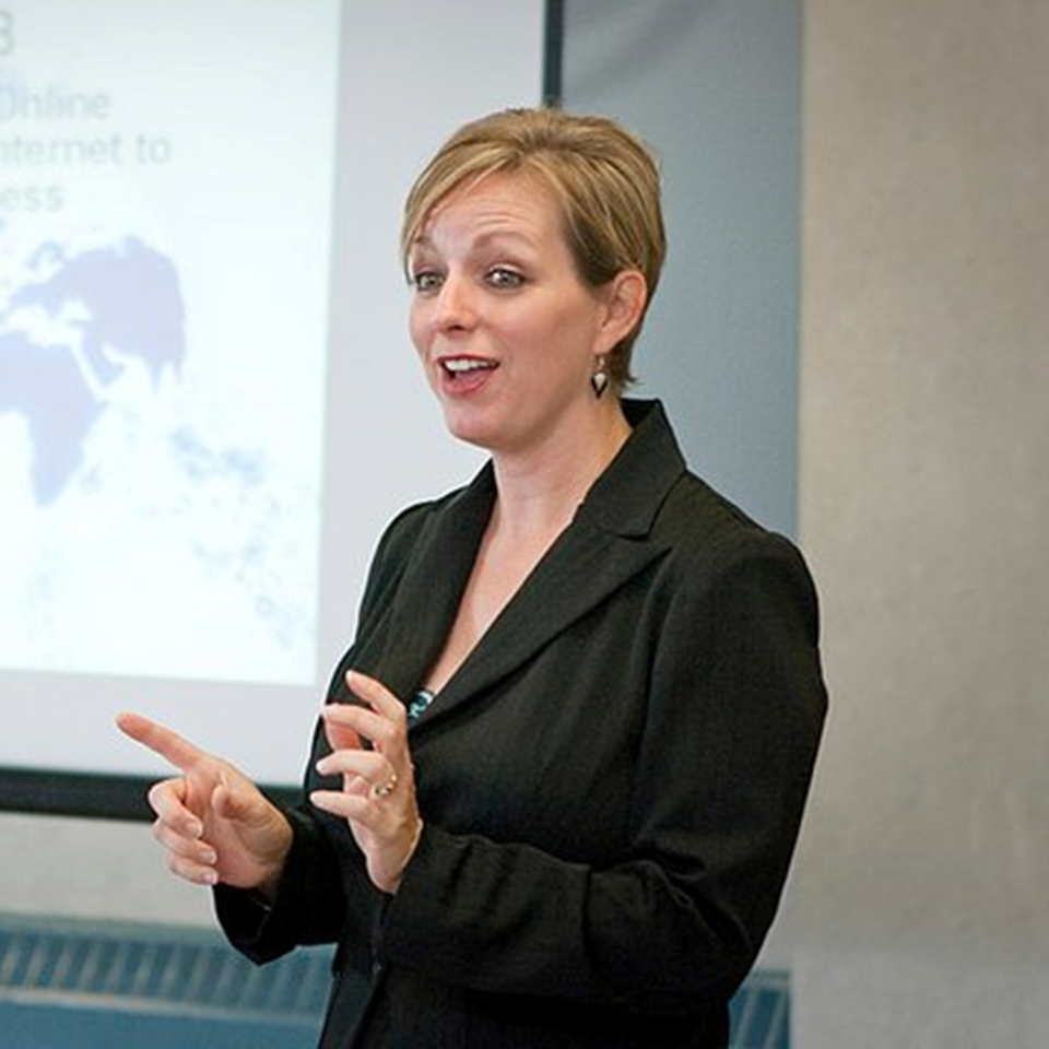 Frances-Leary-Speaking-Training