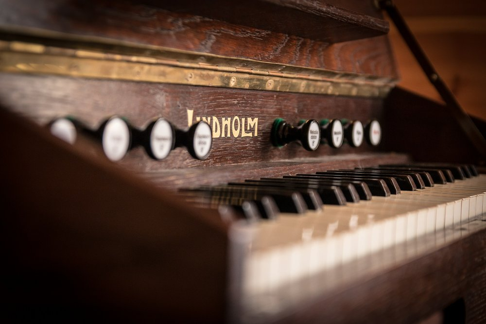 audio-antique-piano