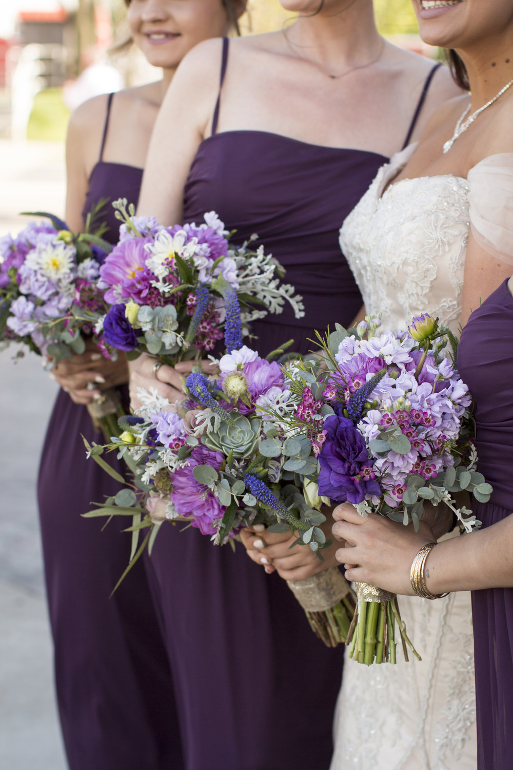Curvy Bride | KC Wedding | Small Wedding Party