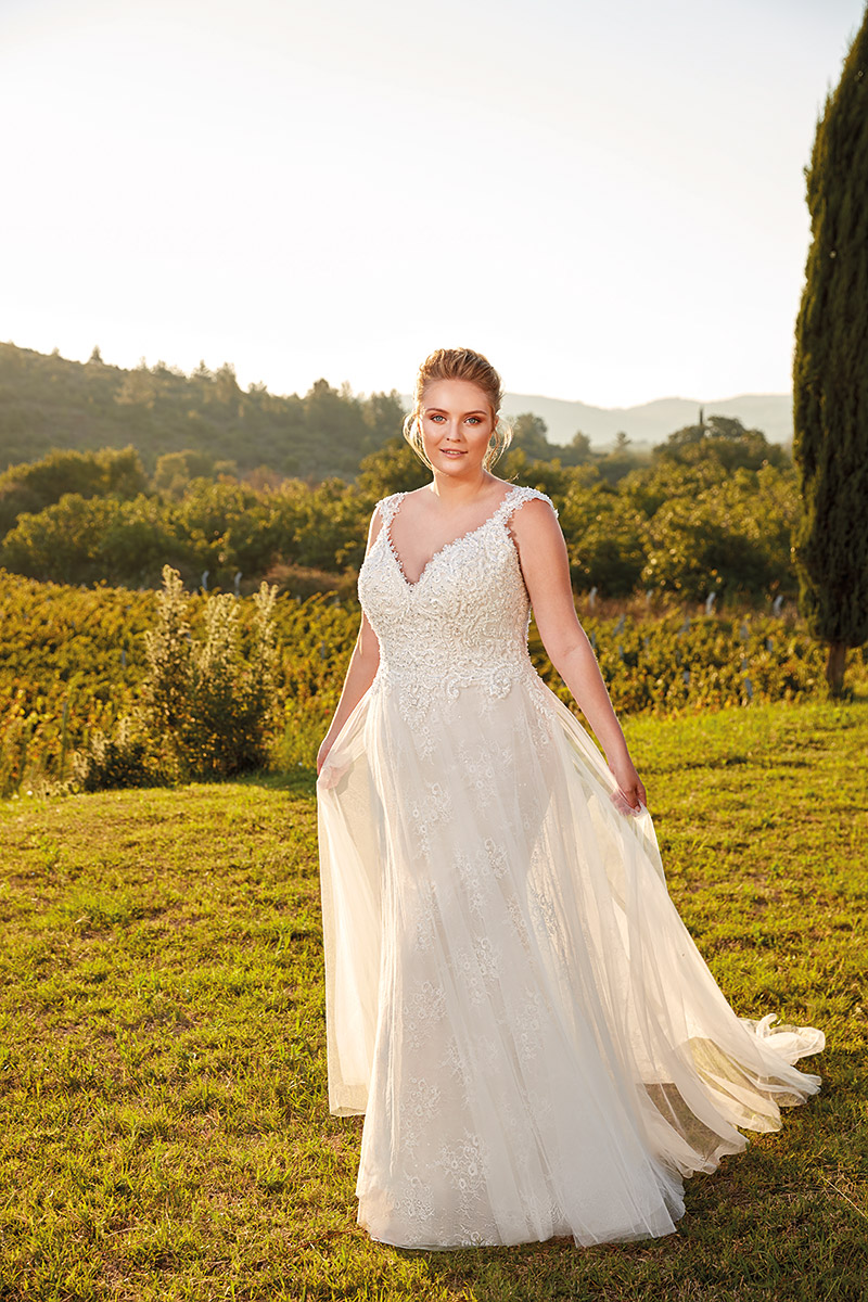 UR101 | Eddy K Bridal | Plus Size Wedding Dress