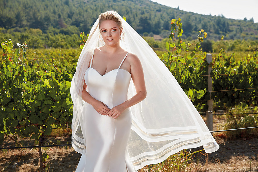 UR103 | Eddy K Bridal | Plus Size Wedding Dress
