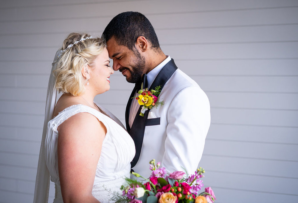 Plus Size Bride & Groom Portrait | Summerside Photography
