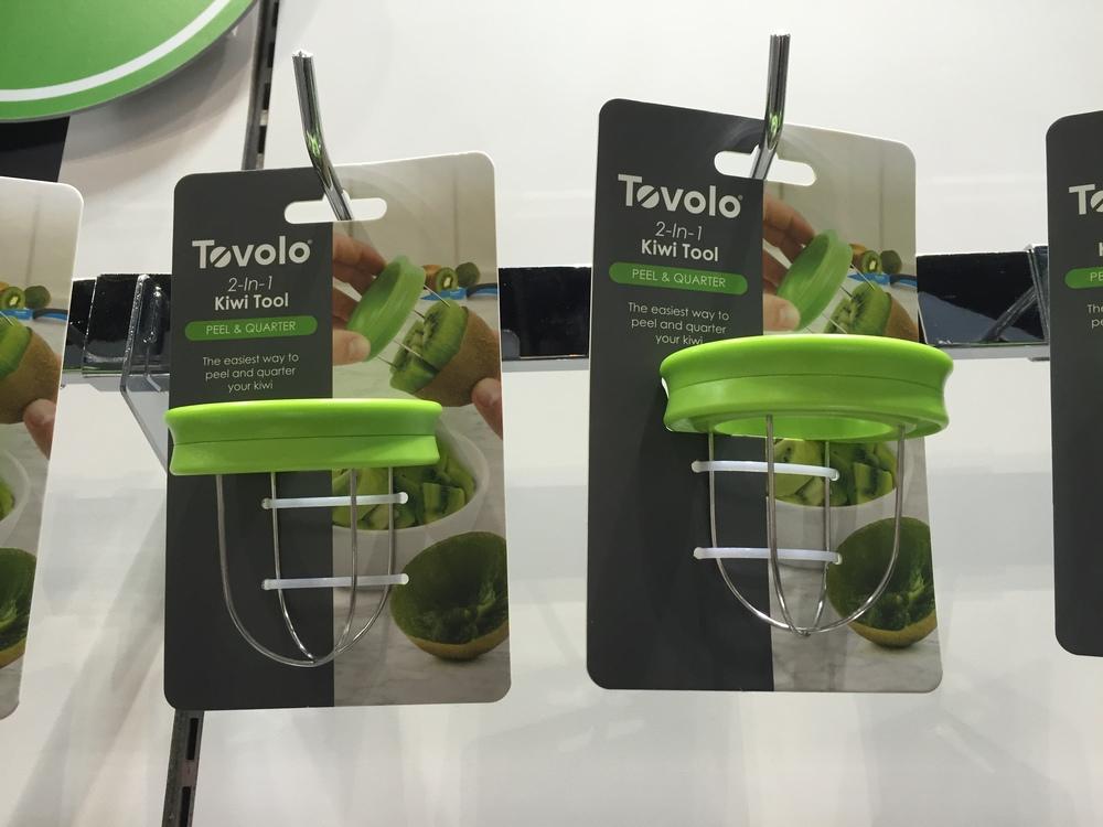Tovolo 2-In-1 Kiwi Tool
