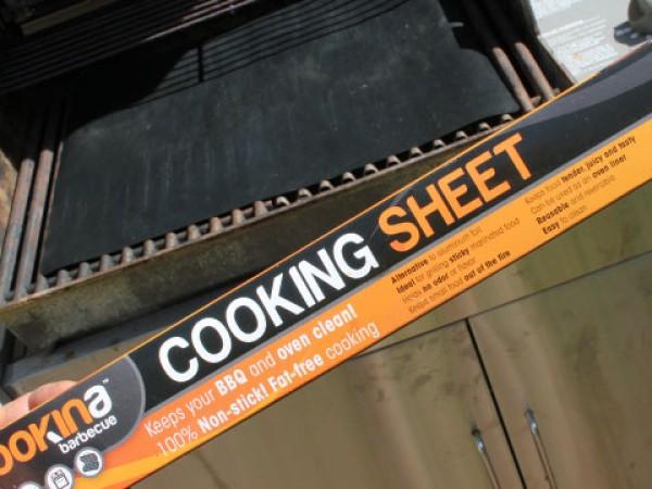 Cookina: Reusable Grilling Sheet