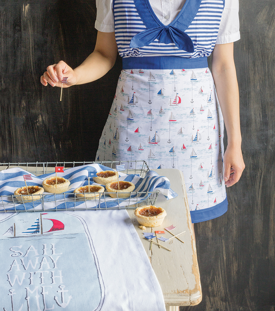 NOW DESIGNS: Anchors Away Apron