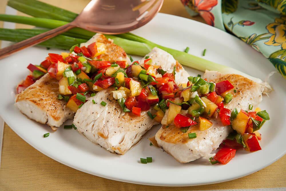 1000-nectarine-ginger-salsa-mahi-mahi-platter-full.jpg