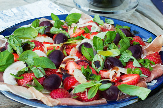 Fennel salad with Strawberries and Parma Ham