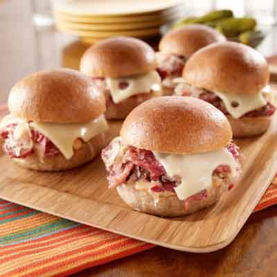 SLOW COOKER REUBEN SLIDERS