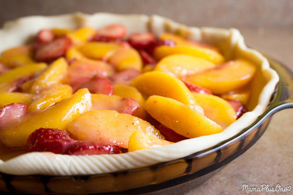 FRESH STRAWBERRY-PEACH PIE