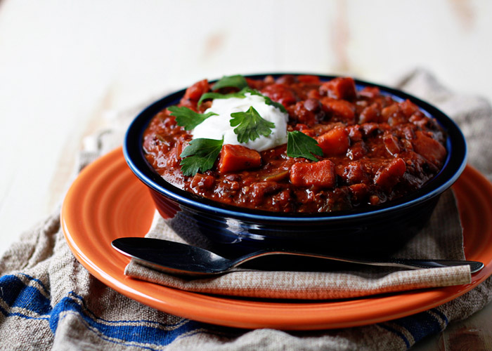 Quinoa, Sweet Potato, & Black Bean Vegetarian Chili