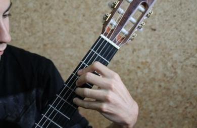 Técnica de guitarra clásica: posición mano izquierda