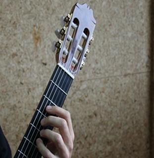 Técnica de guitarra clásica: posición de la mano izquierda