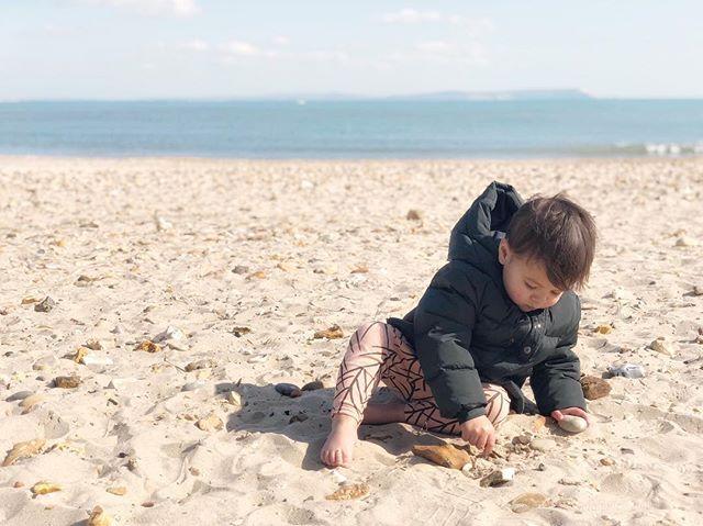 { s a n d y. t o e s } Dreaming of another sunny weekend at the seaside 💕 . . . . . #letthembelittle #mytinymoments #childhoodunplugged #candidchildhood #magicofchildhood #littlefierceones #treasuringlittlememories #mom_hub #clickinmoms #enchantedchildhood #joyfulmamas #littlethingsinlife #littlepiecesofchildhood #runwildmychild #raiseawildchild #fullheartmamas #awanderfulchildhood #thepursuitofjoyproject #kids_of_our_world #pocketsweetness #letthemplay #motherhoodsimplified #uniteinmotherhood