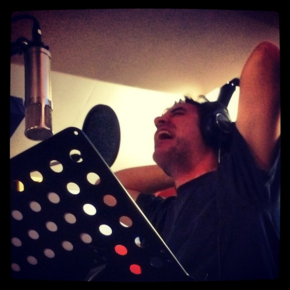 todd_sings_at_theoffice.png