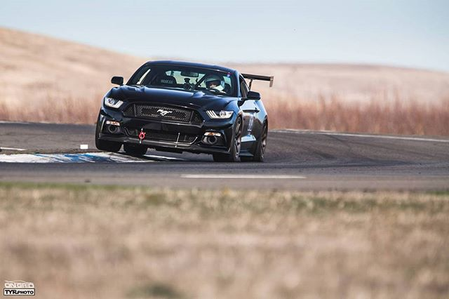 Run over curbs, not crowds.  PC: @tyrphoto  #ongrid #ongridtrack #tyrphoto #trackspec #trackspecautosports #ford #mustang #mustanggt #aprperformance #thunderhill #thunderhillraceway #bayarea #sport #curb #fun #sun #sunny #dragracing #drifting #motorsports