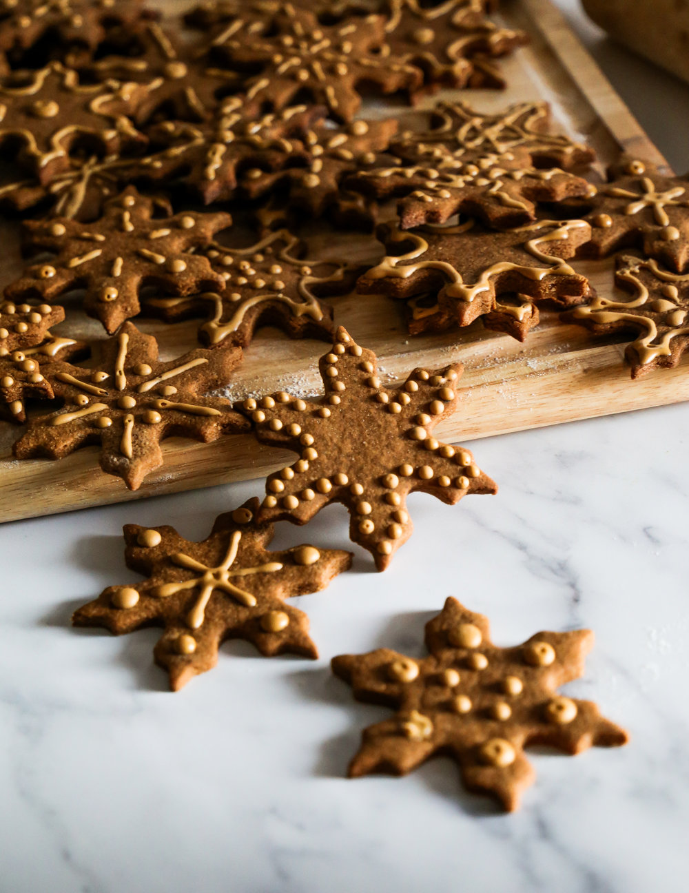 Gingerbread Latte Cookies - A Starbucks holiday favorite in a cookie.