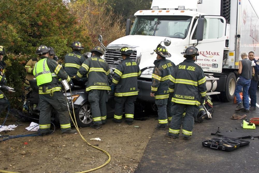 auto crash sta 14, 10, 5 Dec 200911.JPG