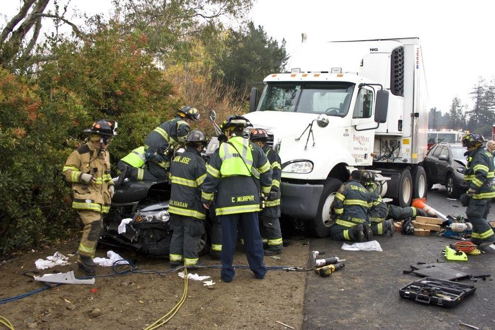 auto crash sta 14, 10, 5 Dec 200926.JPG