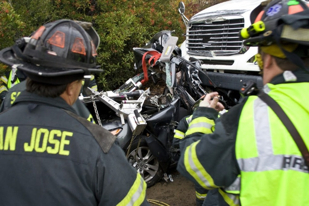 auto crash sta 14, 10, 5 Dec 200942.JPG