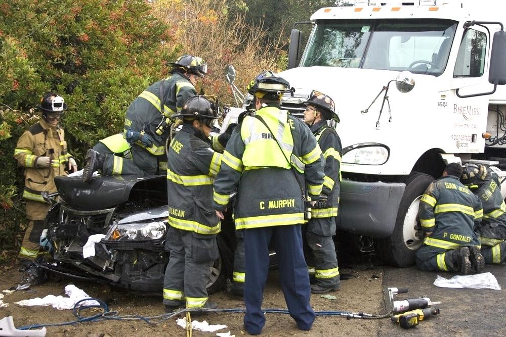 auto crash sta 14, 10, 5 Dec 200925.JPG