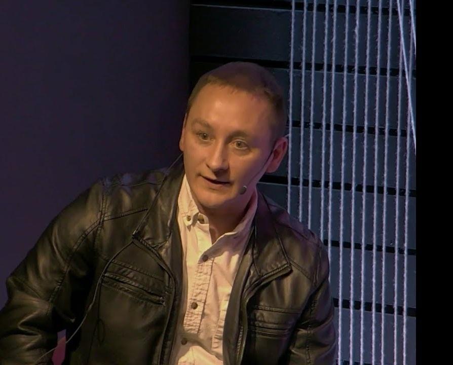 Colin Schmidt,  Consultant