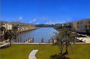 Harbor Landing : Ocean Springs